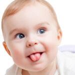 Radtke Clinic - blog - Krótkie wędzidełko języczka u dzieci